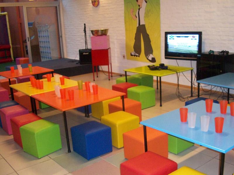 Fun world sal n de fiestas infantiles malv n av italia for Mobiliario infantil montevideo