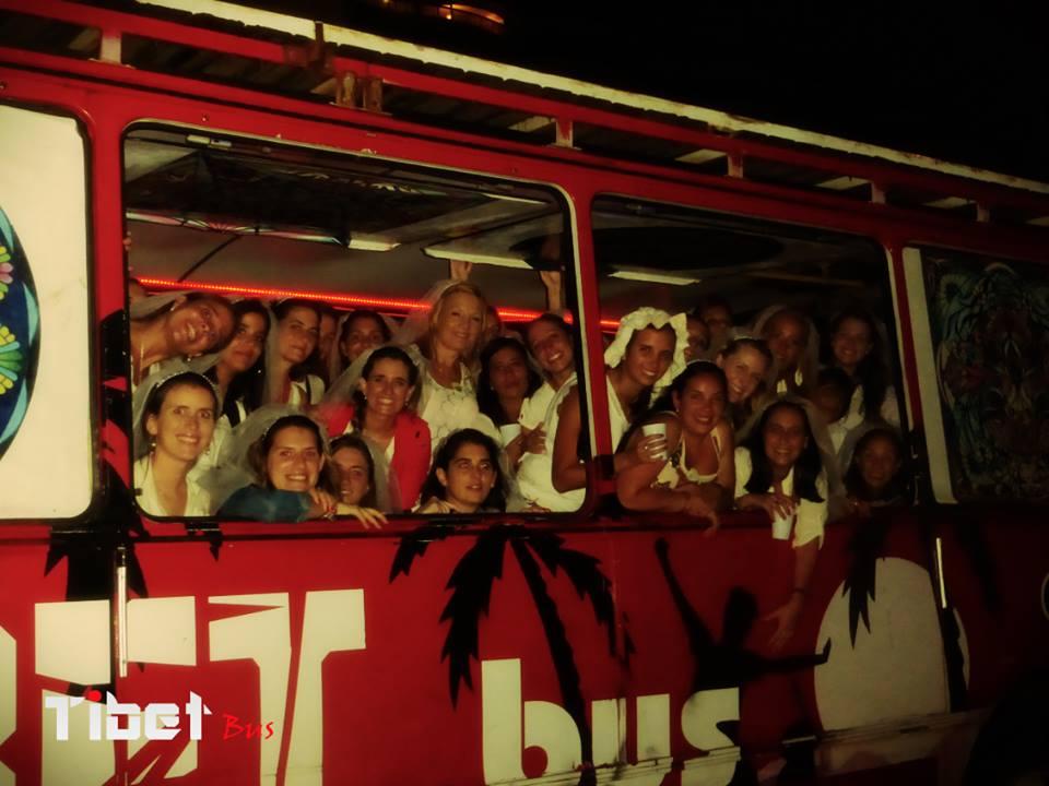Tibet bus tour despedidas de solteras montevideo for Mobiliario infantil montevideo